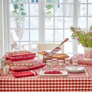 nappe rectangulaire à carreux rouge la campagne de la marque Comptoir de famille
