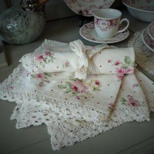 serviettes de table blancc mariclo shabby chic